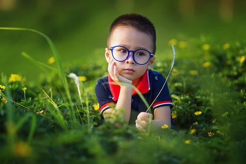 https://cursodebaba.com/images/brincadeiras-criancas-4-anos-imaginacao.jpg