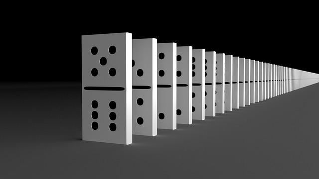 https://cursodebaba.com/images/brincadeiras-educativas-domino.jpg