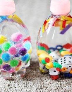 brinquedos-reciclados-garrafa-sensorial
