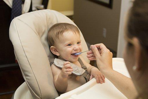 cardapio-bebe-6-meses-como-alimentar