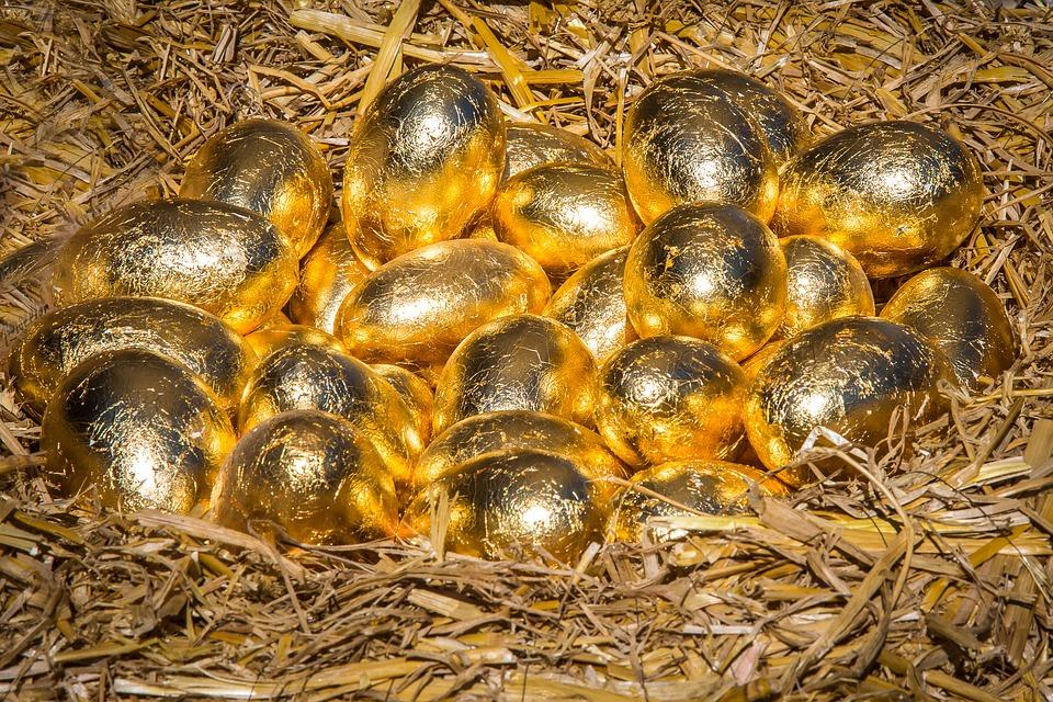 contos-fadas-macaco-galinha-ovos-ouro