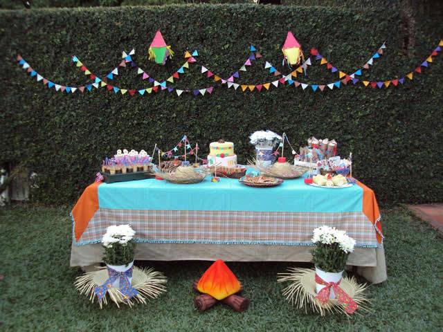 https://cursodebaba.com/images/decoracao-festa-junina-chique-ar-livre.jpg