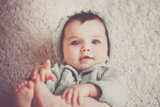fases-desenvolvimento-infantil-tatear