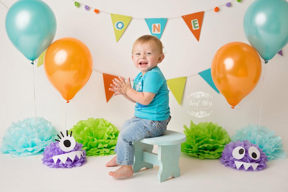 https://cursodebaba.com/images/festa-infantil-1-ano-menino-monstros.jpg