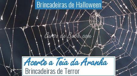 Brincadeiras de Halloween - Acerte a Teia da Aranha