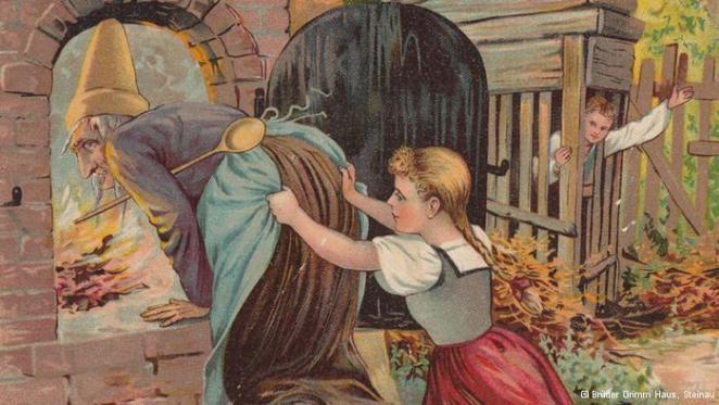 joao-e-maria-empurrando-bruxa